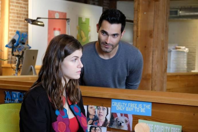 Alexandra Daddario (Emma Corrigan) en Tyler Hoechlin (Jack Harper)