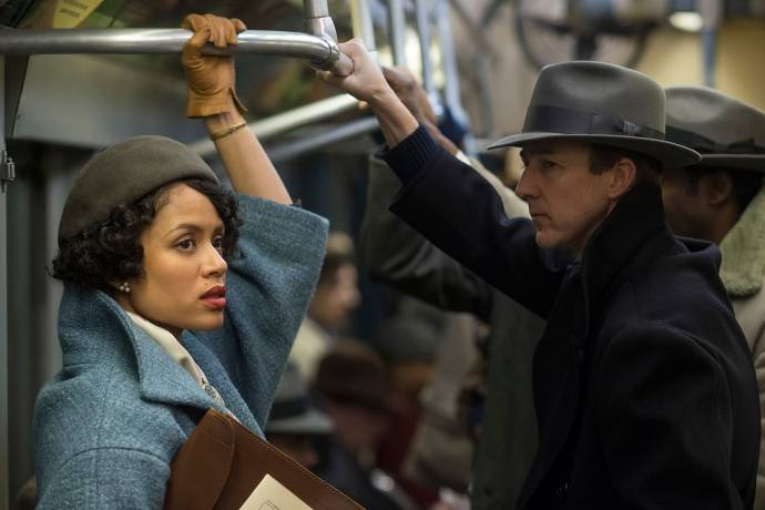 Gugu Mbatha-Raw (Laura Rose) en Edward Norton (Lionel Essrog) in Motherless Brooklyn
