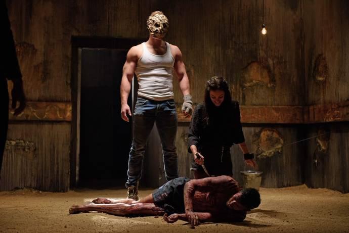 Alexandra Evans (Kat Gill) en Robert Maaser (Dominic)