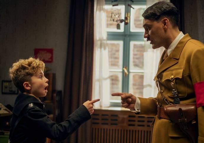 Roman Griffin Davis (Jojo) en Taika Cohen (Adolf)