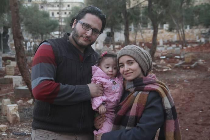 Hamza Al-Khateab (Zichzelf), Sama Al-Khateab (Zichzelf) en Waad Al-Khateab (Zichzelf)