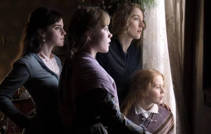 Emma Watson (Meg March), Florence Pugh (Amy March), Saoirse Ronan (Jo March) en Eliza Scanlen (Beth March)