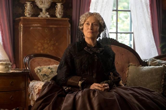 Meryl Streep (Aunt March)