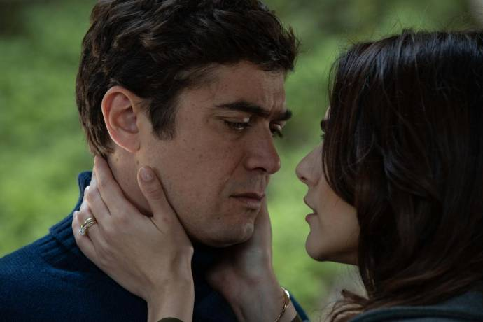 Riccardo Scamarcio (Adriano) en Miriam Leone (Laura)