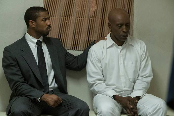 Michael B. Jordan (Bryan Stevenson) en Rob Morgan (Herbert Richardson)
