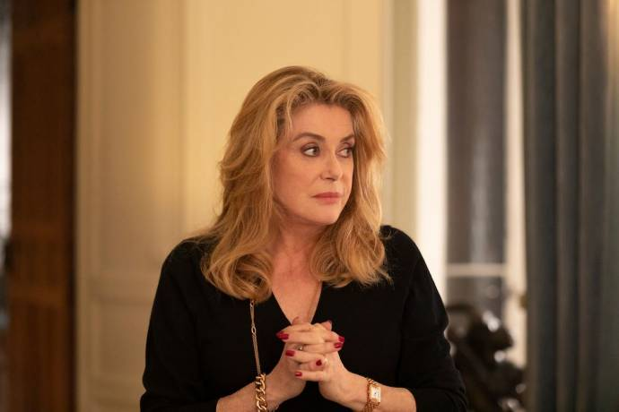 Catherine Deneuve (Fabienne Dangeville) in La Vérité (The Truth)