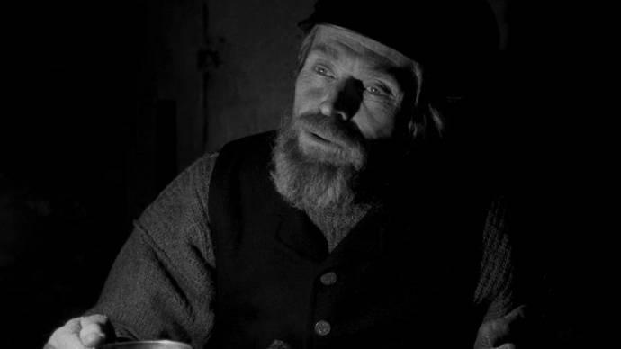 Willem Dafoe (Thomas Wake)
