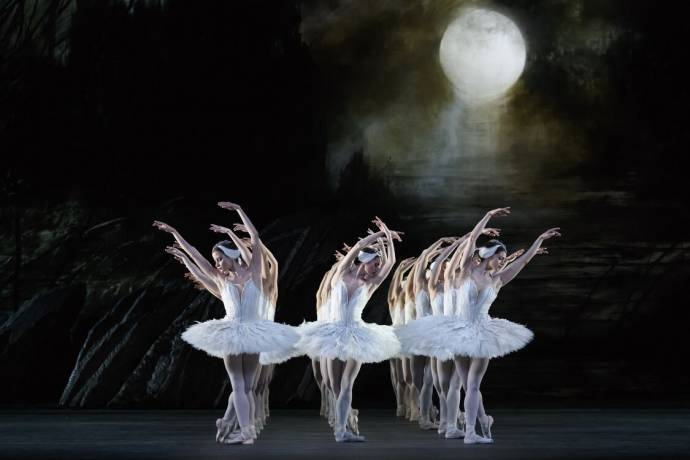 Royal Opera House: Het Zwanenmeer filmstill