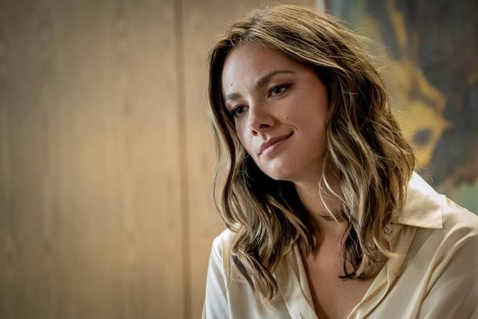 Janina Uhse (Nicole)