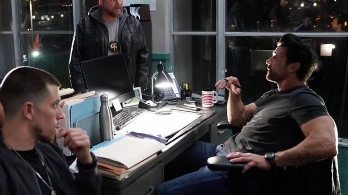 Frank Grillo (Terry Malone) en Beau Knapp