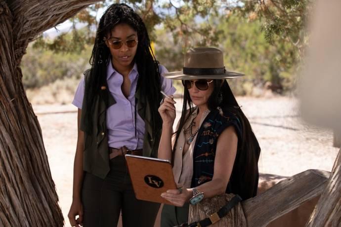 Jessica Williams (Jess) en Demi Moore (Lucy)