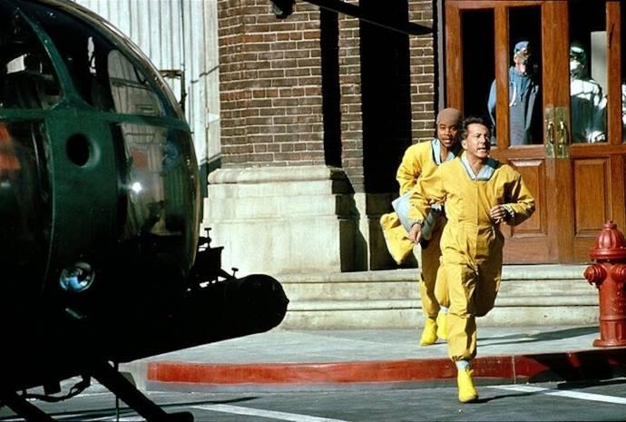 Cuba Gooding Jr. (Maj. Salt) en Dustin Hoffman (Col. Sam Daniels)