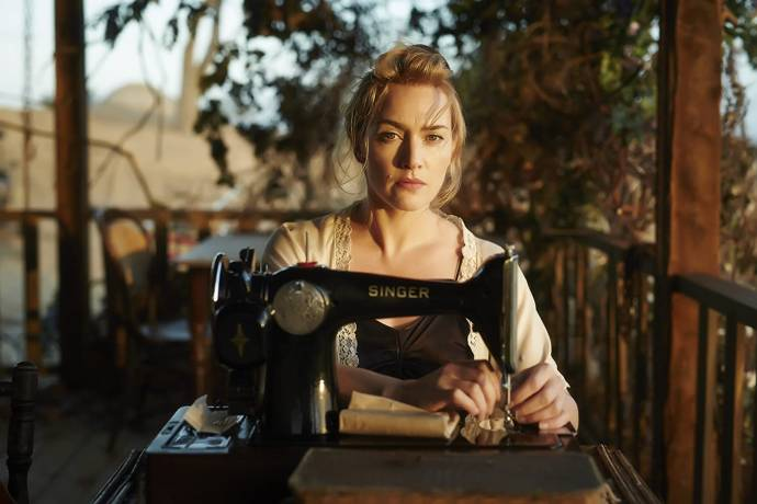 Kate Winslet (Tilly Dunnage) in The Dressmaker