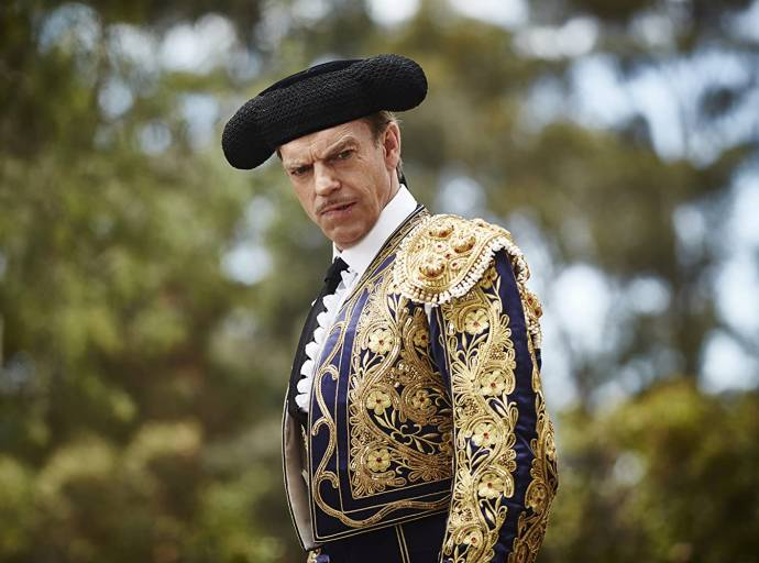 Hugo Weaving (Sergeant Farrat) in The Dressmaker