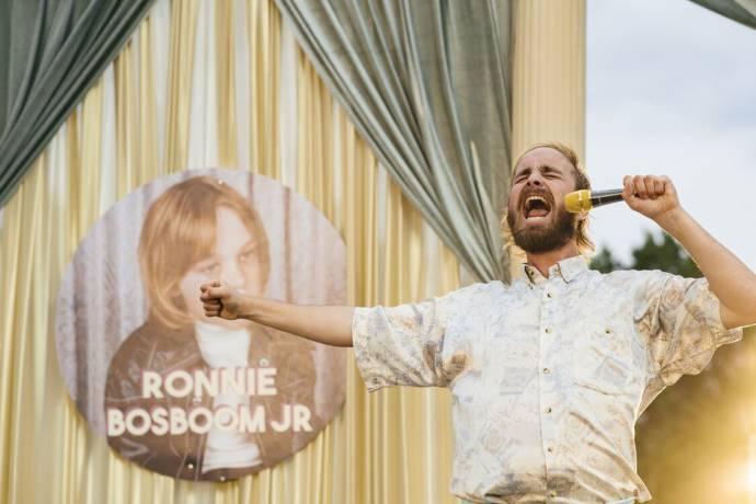 Tom van Kalmthout (Ronnie Bosboom Jr.)