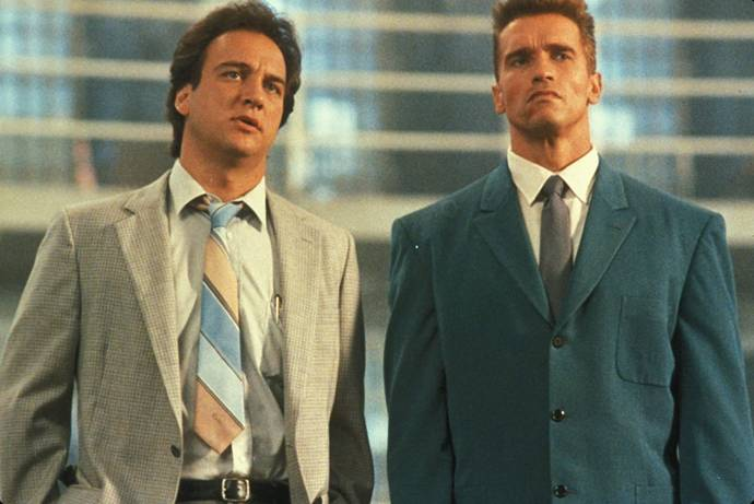 James Belushi (Art Ridzik (as James Belushi)) en Arnold Schwarzenegger (Ivan Danko)
