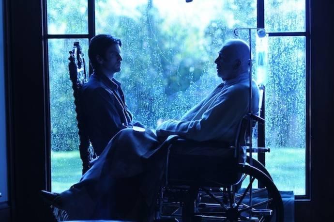 Wes Bentley (Daniel) en Frank Langella (Warner Dax)