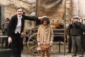 Edith Piaf treed op als kind - La Vie en Rose