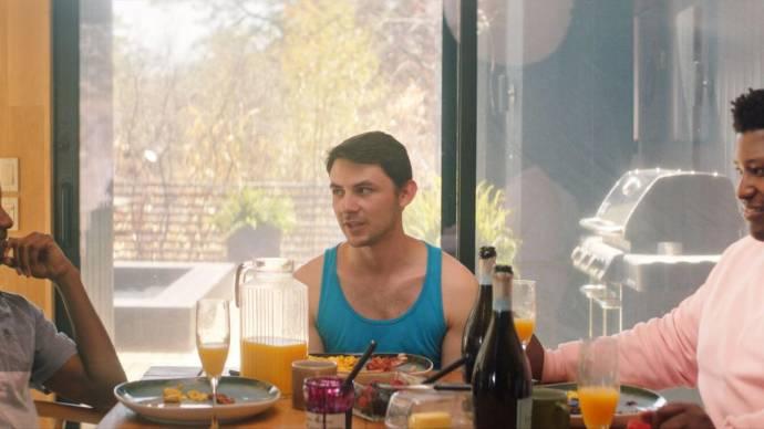 Sheldon Best (Cameron), Ramón Olmos Torres (Joseph) en Larry Owens (Shane)