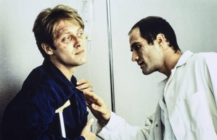 James Spader (James Ballard) en Elias Koteas (Vaughan)
