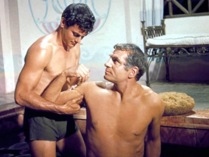 Tony Curtis (Antoninus) en Laurence Olivier (Crassus)