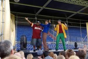 Ernst en Bobbie tijdens hun concert met MC Big time