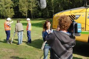 Reporter Suzy helpt Ernst en Bobbie het bos te redden