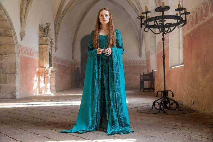 Daisy Ridley (Ophelia)