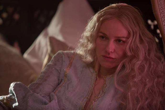 Naomi Watts (Gertrude / Mechtild)