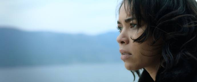 Alexandra Shipp (Riley Jean Stanheight) in Endless