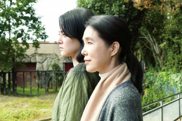 Mikako Ichikawa (Motoko Oishi) en Mariko Tsutsui (Ichiko Shirakawa)