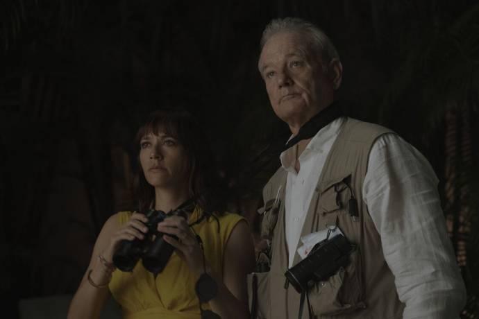 Rashida Jones (Laura) en Bill Murray (Felix)