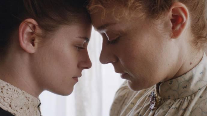 Kristen Stewart (Bridget Sullivan) en Chloë Sevigny (Lizzie Borden)