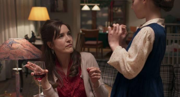 Wine Dierickx (Marie) en Olivia Landuyt (Jonge Mona)