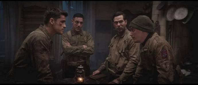 Skylar Astin (Eugene), Kyle Gallner (Tappert), Theo Rossi (Kirk) en Brenton Thwaites (Chris)