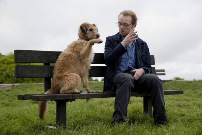 Mojo (Dennis the Dog) en Simon Pegg (Neil)