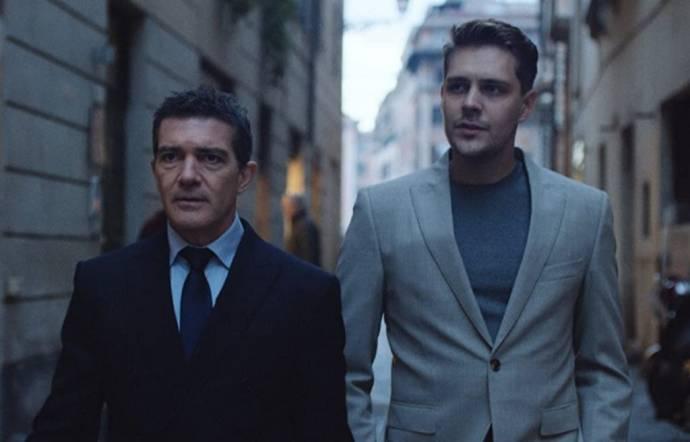 Antonio Banderas (Gordon) en Milos Bikovic (Maykl)