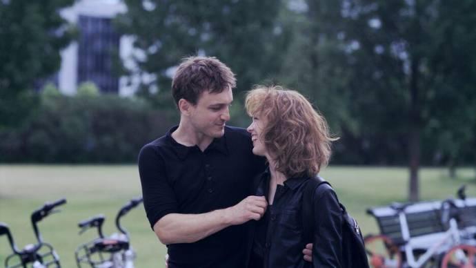 Franz Rogowski (Christoph) en Paula Beer (Undine Wibeau)