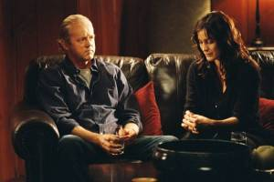 David Morse (Mr. Turner) en Carrie-Anne Moss (Julie)