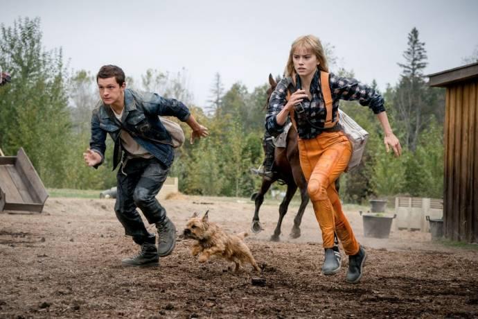 Tom Holland (Todd Hewitt) en Daisy Ridley (Viola Eade) in Chaos Walking