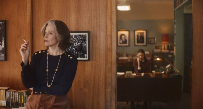 Sigourney Weaver (Margaret)