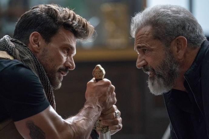 Frank Grillo (Roy Pulver) en Mel Gibson (Col. Clive Ventor) in Boss Level