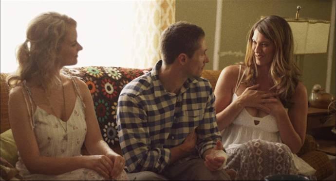 Andrea Brooks (Sky), Matthew MacCaull (Greg) en Heather Doerksen (Lotus Cloud)