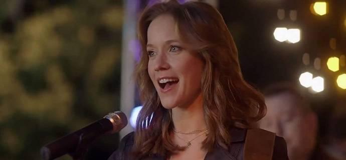 Jessy Schram (Shayna Judson)