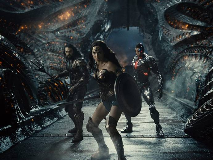 Jason Momoa (Aquaman / Arthur Curry), Gal Gadot (Wonder Woman / Diana Prince) en Ray Fisher (Cyborg / Victor Stone) in Zack Snyder's Justice League