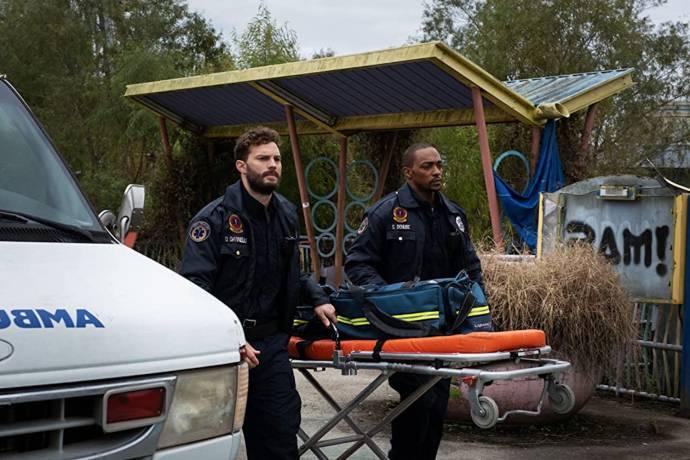 Jamie Dornan (Dennis) en Anthony Mackie (Steve) in Synchronic