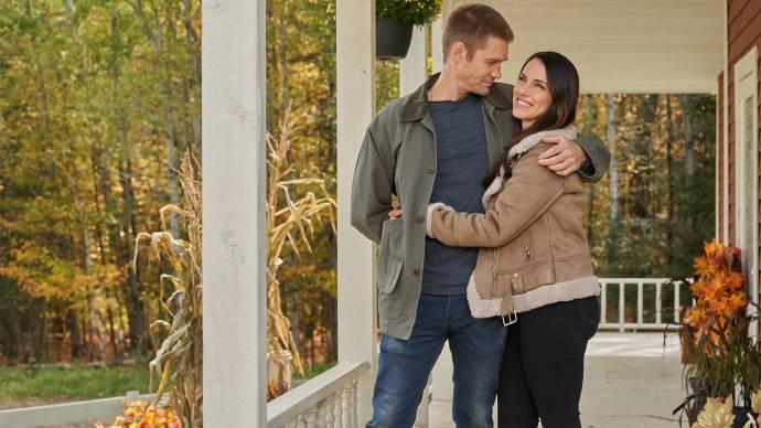 Chad Michael Murray (Joel) en Jessica Lowndes (Taylor)