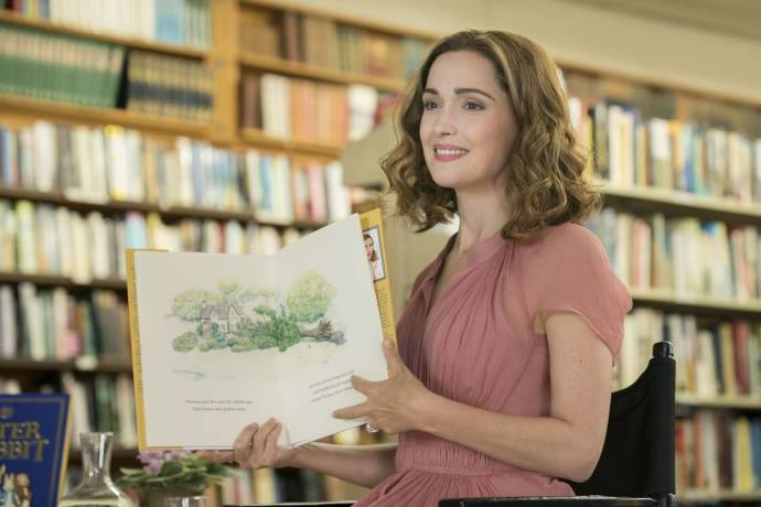 Rose Byrne (Bea / Jemima Puddle-Duck) in Peter Rabbit 2: The Runaway