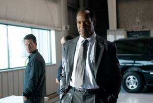Danny Glover (Colonel Isaac Johnson) en Mark Wahlberg (Bob Lee Swagger)