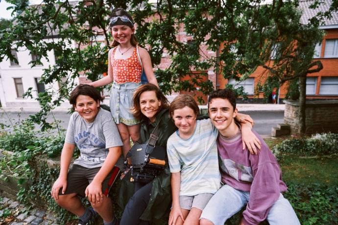 Matthijs Meertens (Laurens (young)), Amber Metdepenningen (Tess (young)), Veerle Baetens, Rosa Marchant (Eva (young)) en Anthony Vyt (Tim (young))
